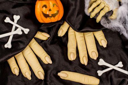 dita strega halloween