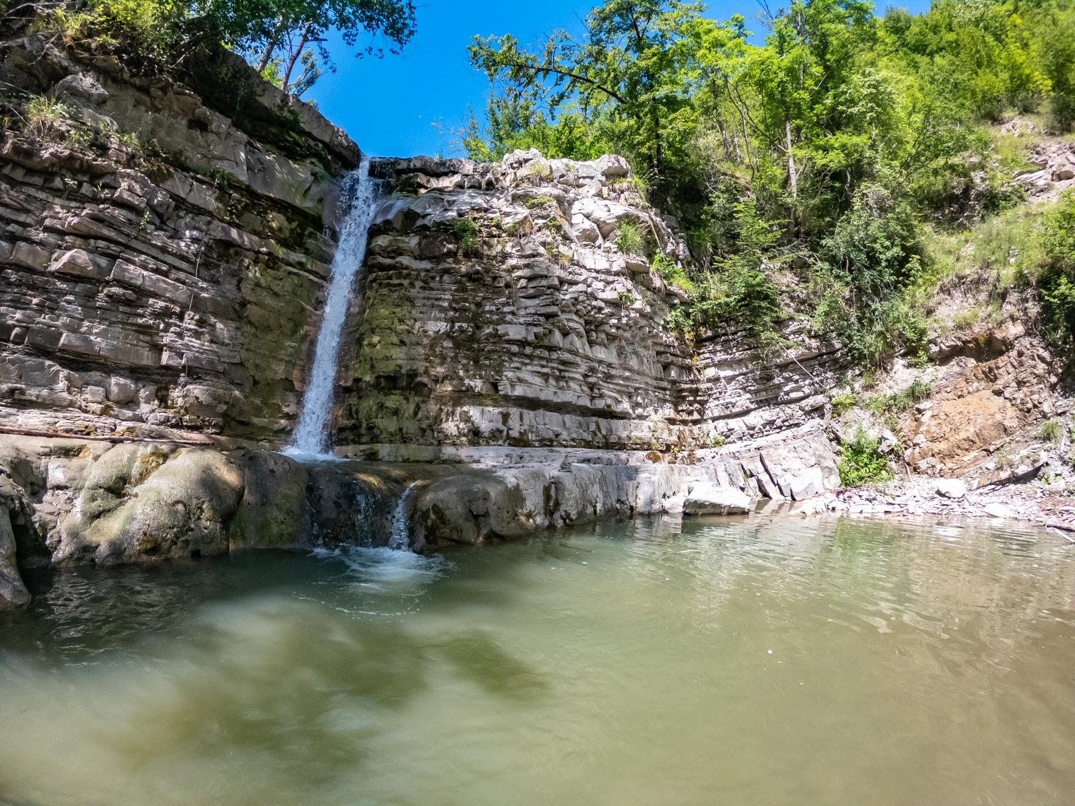 Trekking per famiglie tra cascate e piscine naturali nella Val Trebbia