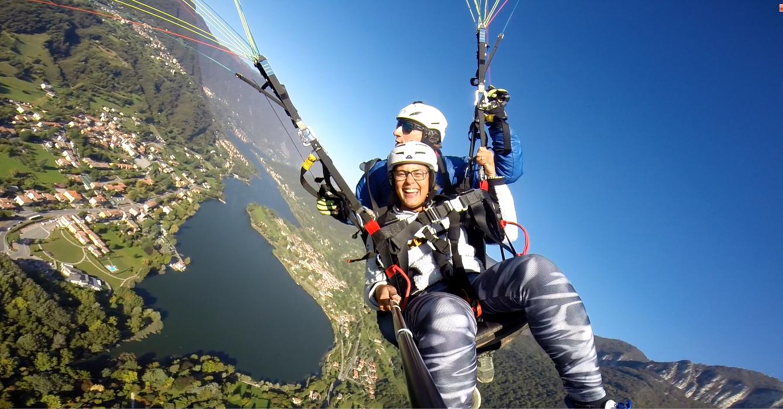 Un'emozione adrenalinica: volo in parapendio biposto sul Lago di Endine